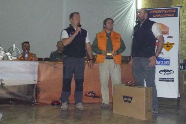 Jorge y Rafa recibiendo el segundo premio